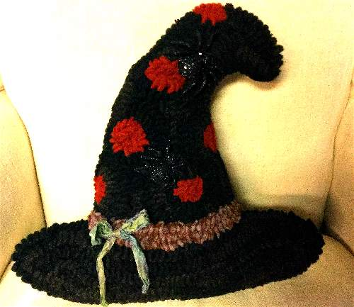 WITCH'S HAT CUT OUT PATTERN